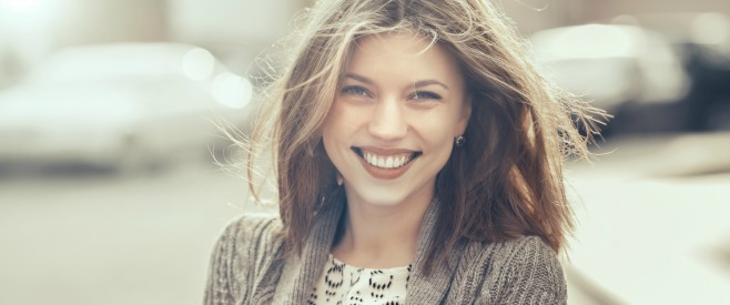 笑顔な苦手な女の方必見!気持ち悪いと思わせない笑顔の作り方のイメージ画像